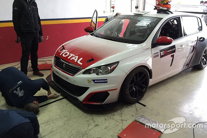 tcr-test-2016-peugeot-308-racing-cup-tcr