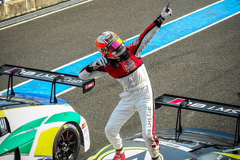 皮卡里耶路赢得杯赛首胜,重回积分榜首