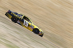 Edwards edges Allmendinger for Sonoma pole