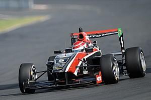 Другие Формулы Отчет о гонке Жоу и Пике выиграли в Новой Зеландии
