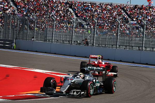Formula 1 Hamilton straight-lined Turn 2 to avoid
