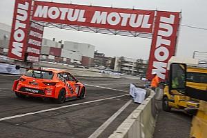 Prodotto Gara Motor Show, Seat Leon Cup: Bettera sbatte, tutto facile per Giacon