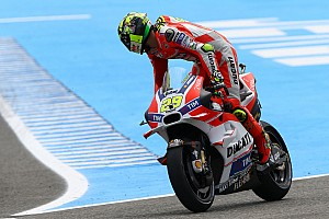 MotoGP Practice report Dovizioso 7th and Iannone 11th at the end of first day of free practice for the Spanish GP