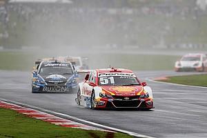 Stock Car Brasil Relato da corrida Na tática, Átila Abreu vence segunda bateria em Goiânia
