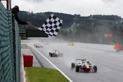 Ben Barnicoat, HitechGP, Dallara F312 - Mercedes-Benz, Nick Cassidy, Prema Powerteam, Dallara F312 - Mercedes-Benz