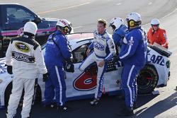 Trevor Bayne, Roush Fenway Racing Ford after crashing