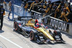 James Hinchcliffe, Schmidt Peterson Motorsports Honda pit action
