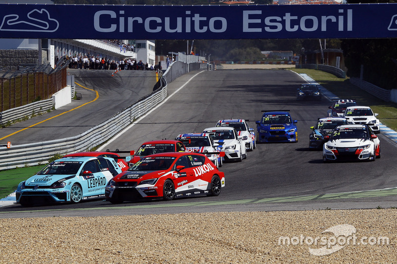 Stefano Comini, Leopard Racing, Volkswagen Golf GTI TCR; Sergey Afanasyev, Team Craft-Bamboo ...
