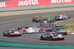 #45 Manor Oreca 05 - Nissan: Tor Graves, Roberto Gonzalez, Mathias Beche crash
