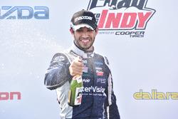 Race winner Kyle Kaiser, Juncos Racing