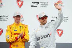Podium: race winner Juan Pablo Montoya, Team Penske Chevrolet, third place Ryan Hunter-Reay, Andretti Autosport Honda