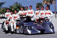 Le Mans Photos - Michele Alboreto, Christian Abt, Rinaldo Capello, Allan McNish, Stéphane Ortelli, Laurent Aiello, Tom Kristensen, Frank Biela, Emanuele Pirro