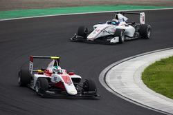 Nirei Fukuzumi, ART Grand Prix leads Matthew Parry, Koiranen GP