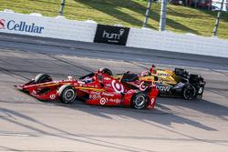 Scott Dixon, Chip Ganassi Racing Chevrolet, James Hinchcliffe, Schmidt Peterson Motorsports Honda