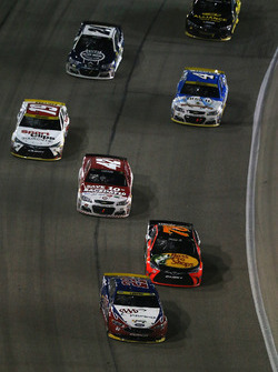 Joey Logano, Team Penske Ford, Martin Truex Jr., Furniture Row Racing Toyota