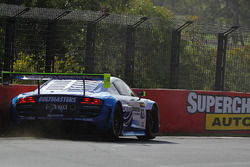 #82 International Motorsport Audi R8 LMS Ultra: Andrew Bagnall, Rick Armstrong, Matt Halliday in trouble