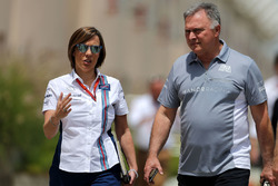 Claire Williams, Williams F1 Team and Dave Ryan, Manor Racing Racing Director