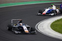 Konstantin Tereschenko, Campos Racing leads Sandy Stuvik, Trident