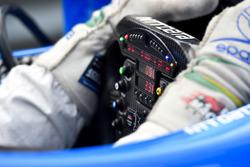 Tony Kanaan, Chip Ganassi Racing Chevrolet, steering wheel detail