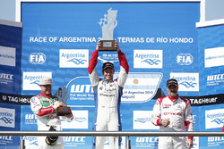 Podium: winner Tom Chilton, Sébastien Loeb Racing, second place Rob Huff, Honda Racing Team JAS, third place Yvan Muller, Citroën World Touring Car Team