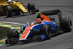 Esteban Ocon, Manor Racing MRT05, Kevin Magnussen, Renault Sport F1 Team RS16