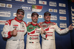 Yvan Muller, Citroën World Touring Car Team, Citroën C-Elysée WTCC; Tiago Monteiro, Honda Racing Team JAS, Honda Civic WTCC; Norbert Michelisz, Honda Racing Team JAS, Honda Civic WTCC