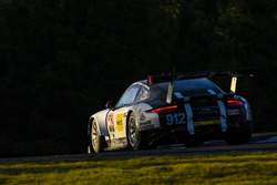 #912 Porsche Team North America Porsche 911 RSR: Earl Bamber, Frédéric Makowiecki, Michael Christensen
