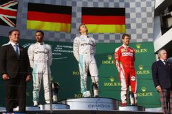 Temporada 2016 F1-australian-gp-2016-podium-winner-nico-rosberg-mercedes-amg-f1-team-second-place-lewis-h
