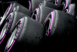 Temporada 2016 F1-canadian-gp-2016-pirelli-tyres