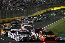Martin Truex Jr., Furniture Row Racing Toyota leads a restart