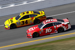 Chris Buescher, Front Row Motorsports Ford, Greg Biffle, Roush Fenway Racing Ford