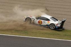 #5 Team Mach Toyota MC86: Tetsuji Tamanaka, Junichiro Yamashita, Masami Kageyama crash