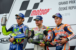 Podium: race winner Cal Crutchlow, Team LCR Honda, second place Valentino Rossi, Yamaha Factory Racing, third place Marc Marquez, Repsol Honda Team
