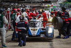 Pit stop for #37 SMP Racing BR01 Nissan: Vitaly Petrov, Viktor Shaytar, Kirill Ladygin