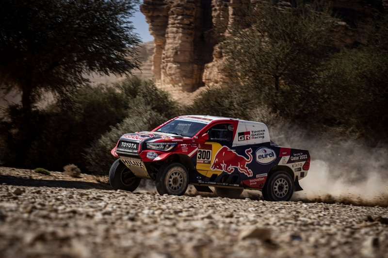 Carlos Sainz wins third Dakar title - Alonso finishes 13th