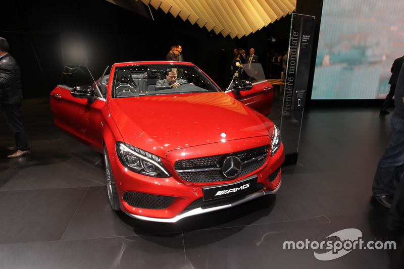 mercedes c43 amg cabrio at geneva international auto show. Black Bedroom Furniture Sets. Home Design Ideas