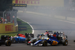 Marcus Ericsson, Sauber C35 at the start of the race