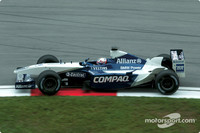 McLaren dominate Malaysian 2nd practice