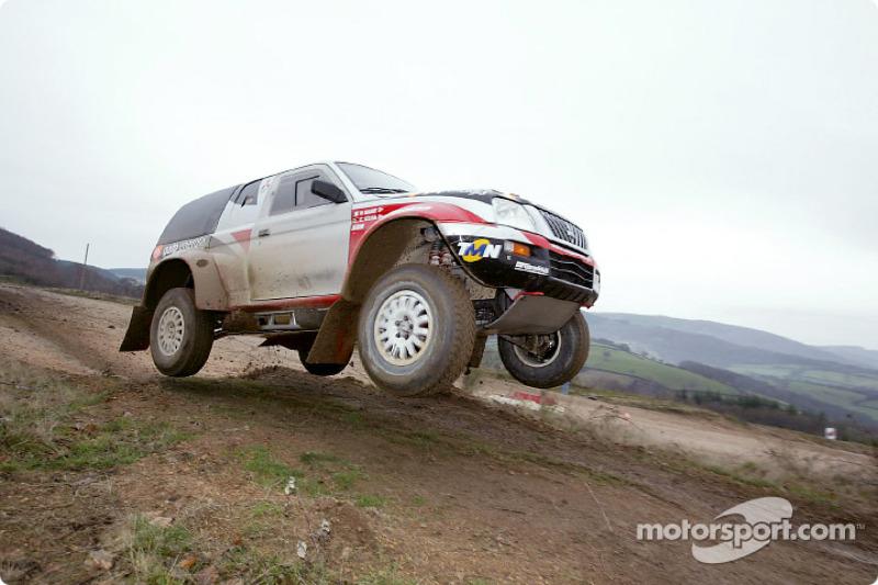 Dakar: Mitsubishi bids for eighth victory