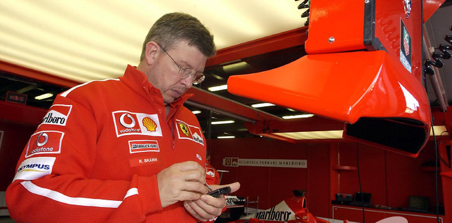 Ferrari owns up to tyre complaint