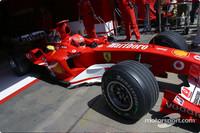 Schumacher storms to Spanish GP pole