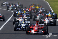 Schumacher cruises to Japanese GP victory