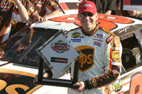 Jarrett earns his third Daytona 500 pole