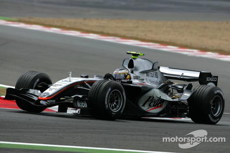 A lap of Silverstone with de la Rosa