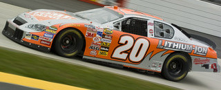 NASCAR Sprint Cup Stewart up front at Martinsville