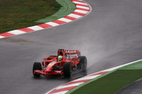 F1 plea: Rain, rain, please flee Spain