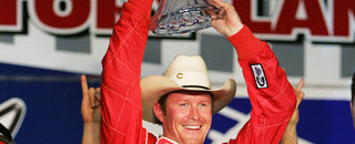 Dixon widens point lead with Texas win