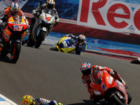 Rossi takes US GP as Stoner stumbles