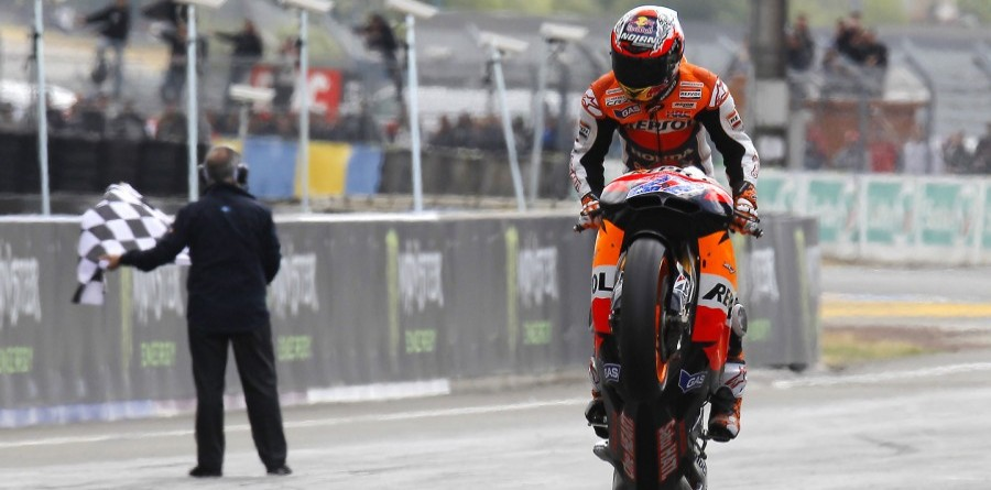 Stoner takes the French GP victory