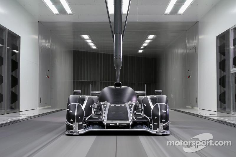 Audi Develops New R18 Aero Package